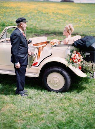 Винтажный стиль 1930-х годов свадьба вдохновения | Кирилл Бордон фотография | посмотреть больше на: http://burnettsboards.com/2014/07/fiery-orange-1930s-wedding-inspiration-shoot/