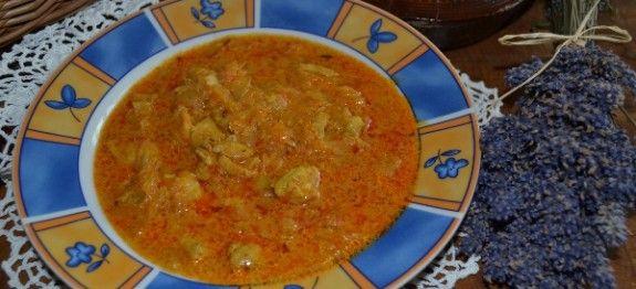Segedínský guláš z kuřecího masa