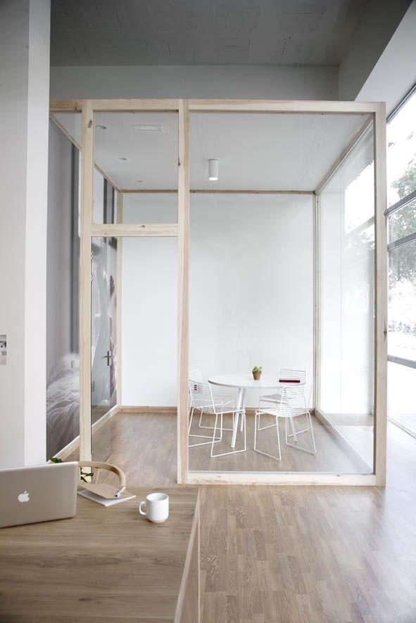 en vez de cuadrado semicircular y con muros en madera microperforada, o papel de arroz microperforado LOVELOVELOVE