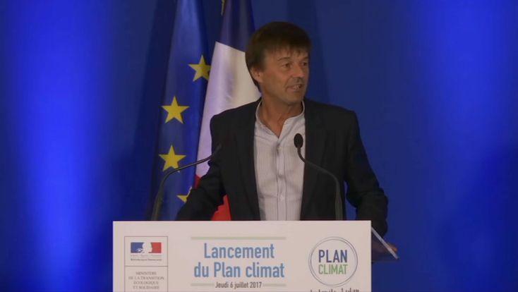 Le ministre de la Transition écologique a annoncé « la fin de la vente de véhicules à essence ou diesel d'ici 2040 ». Les Français seront incités à acquérir un véhicule propre avec une aide qui concernera aussi l'occasion.