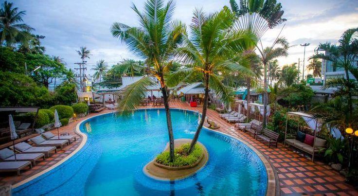 Отель Natural Park Resort расположен через дорогу от моря, в районе Джомтьен-Бич, на первой пляжной линии, в 10 км от г. Паттайя, пляж Джомтьен — в 1,9 км, до международного аэропорта У-Тапао-Районг-Паттайя — 25 км. Длина пляжной полосы около 7 км. В отеле Natural Park Resort: 186 номеров. В номерах: ванная/душ, балкон, телевизор, мини-бар, кондиционер. К услугам гостей бесплатный Wi-Fi, ресторан, открытый бассейн и бар.  Для проведения деловых встреч предусмотрен конференц-зал...