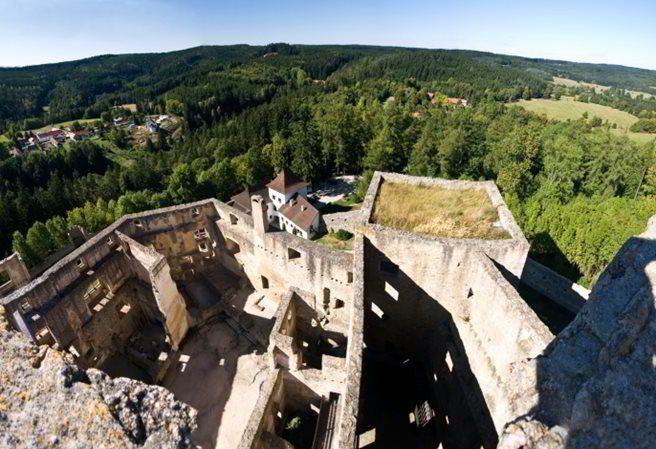 Kudy z nudy - Hrad Landštejn - unikátní hrad z doby románské