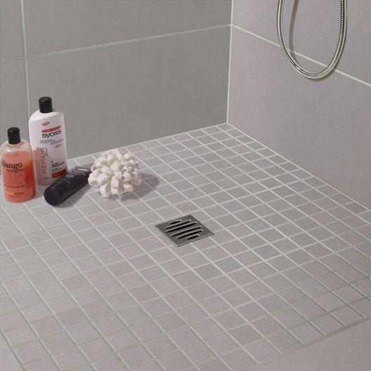 Les 25 meilleures id es de la cat gorie douche italienne galet sur pinterest - Idee carrelage douche italienne ...