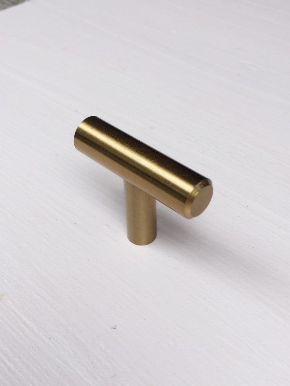 Brass pulls knobs/Drawer Handles/ Brass Kitchen Cabinet Knob Pull Handles/Door handle/dresser drawer.  These make beautiful drawer pulls.  ::: DIMENSIONS:::  Overall Length 1-3/4 (45mm) Projection: 1-11/32 (35mm) Diameter: 1/2 (13mm)  ::: MATCHING KNOBS AND PULLS :::  This item is part of a collection and it matches all the pulls and knobs on my shop names EUROPEAN ROUND. The links below show all the matching items. PLEASE REVIEW THE STORES POLICIES HERE…
