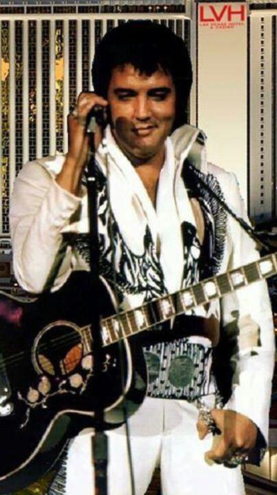 Gorgeous Elvis! on stage.....<3