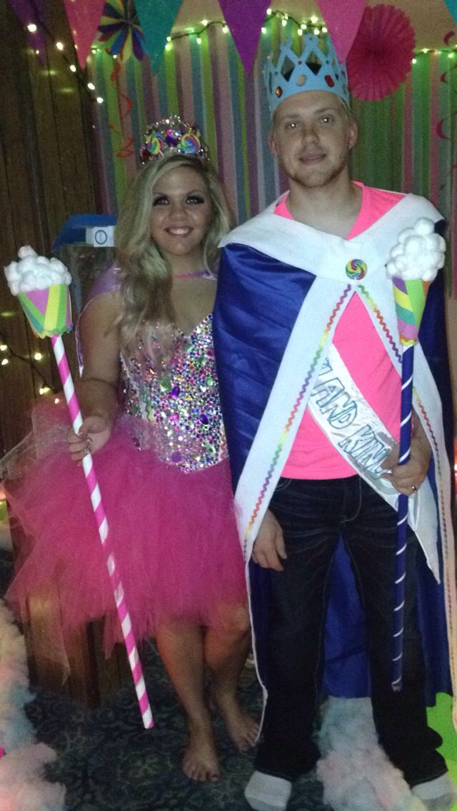 Couples Candy Land Costumes; King and Queen Candy! Great DIY costume ideas!