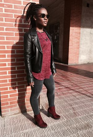Look by @black_daff with #primark #casual #zara #jeans #heels #fall #autumn #boots #chic #streetstyle #sweaters #vaquero #pantalon #jackets #sunglasses #trendy #diario #fashion #leatherjackets #glasses #outfit #rayban #love #ootd #outfits #look #looks #blackpants #graypants #burgundyboots #burgundytshirts.