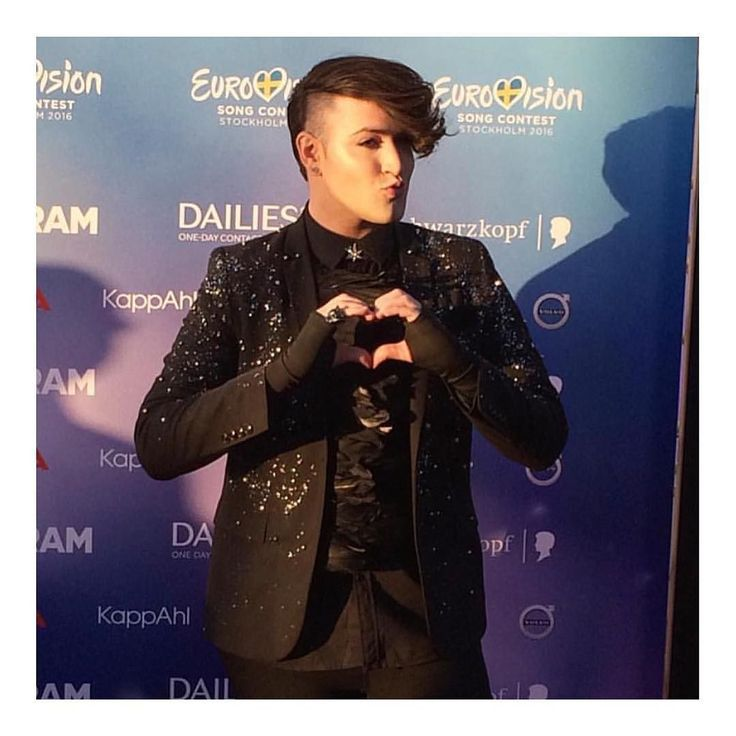 I had so much fun on the red carpet yesterday!!! Styling by: @itay_bezaleli  Hair by: @or_sultany  Makeup by: @eranis by hovistar #Eurovision #Eurovision2016