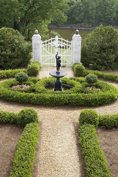 Garden Fountains - Design Chic