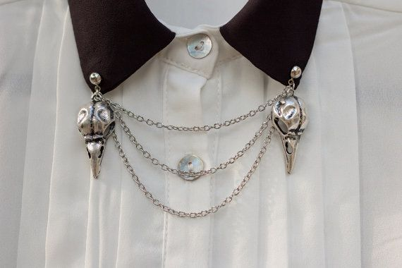 Hey, I found this really awesome Etsy listing at https://www.etsy.com/uk/listing/159166178/silver-bird-skull-collar-clip-collar