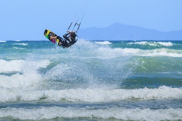 Kite surfing on Muizenberg Beach by Craig Strachan Read more: http://digital-photography-school.com/travel-photography-inspiration-project-south-africa#ixzz1r0FyuRkL