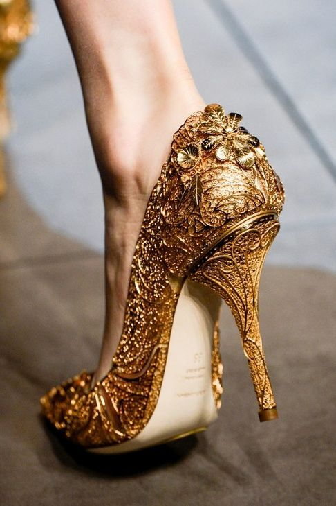 Versace Gold Heeled Pump- I usually hate gold, but holy crap these are awesome!