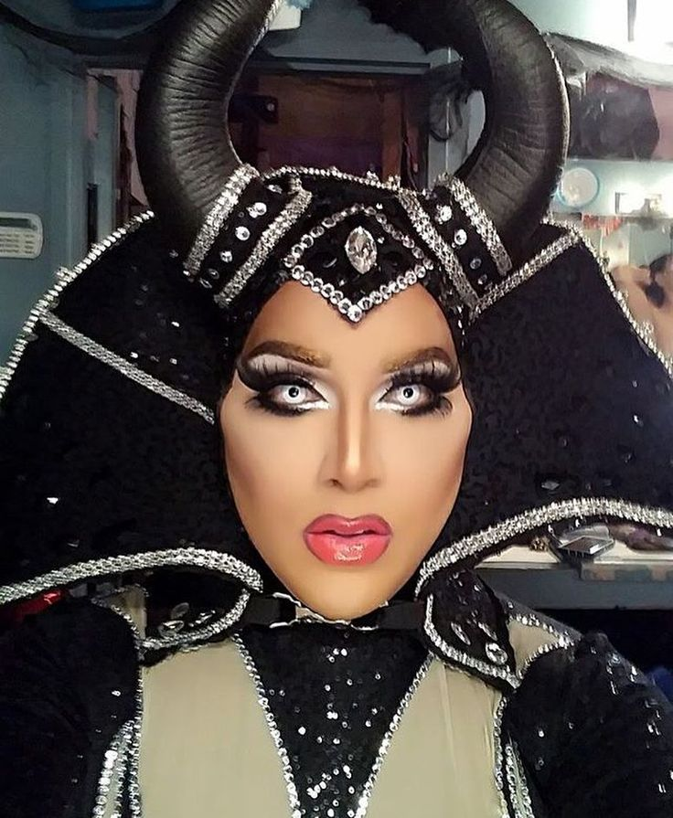 """Alexis Mateo - BAM Bitches  161 Likes, 1 Comments - Draglicious (@dragliciouz) on Instagram: """"@alexismateoofficial as #Maleficent for #Halloween #malevola #dragrace"""""""