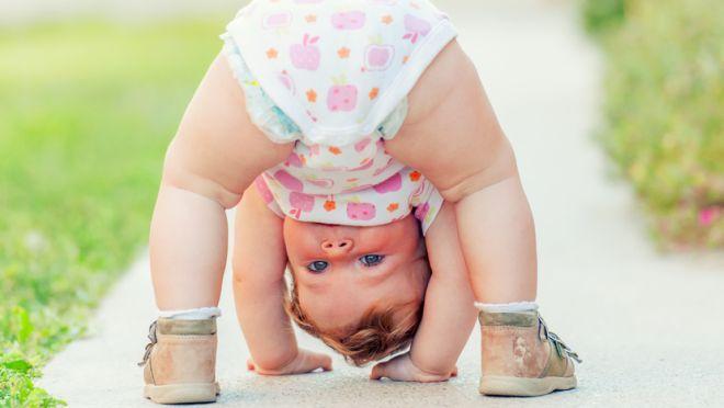 Diese 15 Fotos solltest Du unbedingt von Deinem Kind machen, um seine wunderbare Entwicklung für immer festzuhalten.