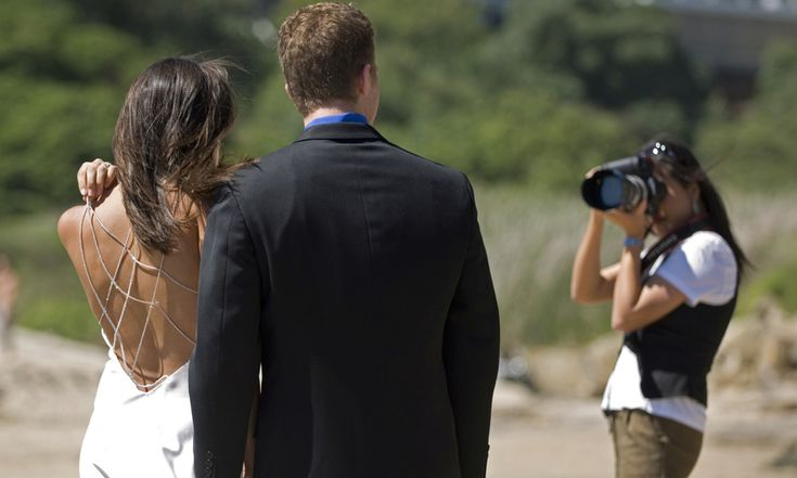 If your wedding day is approaching soon and you still have not found the best for your wedding photography in Malvern that you should take Rosa Photography & Video into consideration.