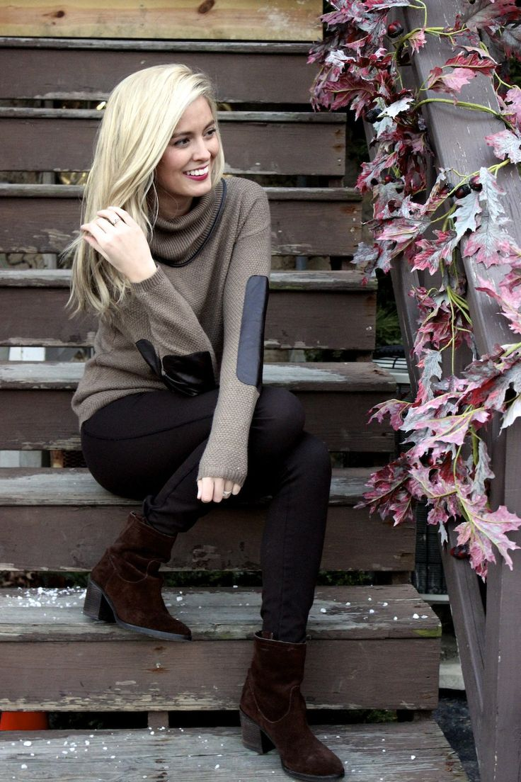 sweater with elbow patches, faux leather and ankle boots. Perfect fall/winter look. Fall fashion 2013, winter fashion 2014