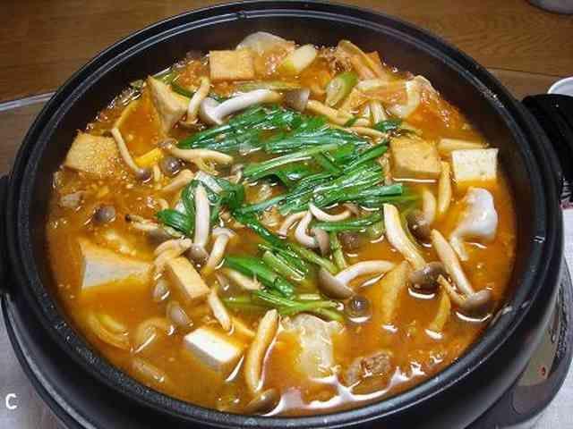 おいしー チゲ鍋☆キムチ鍋の画像
