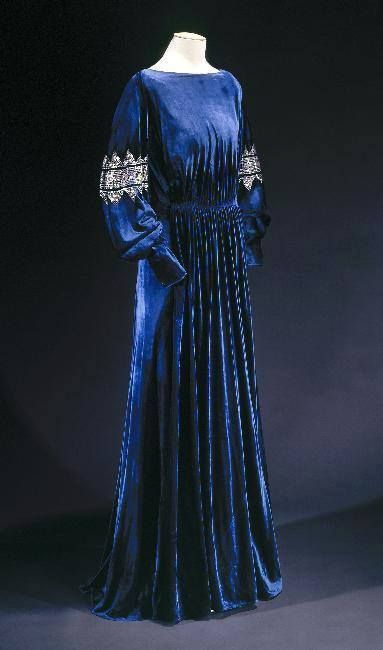 Dress Jeanne Lanvin, 1936 Musée Galliera de la Mode de la Ville... (OMG that…