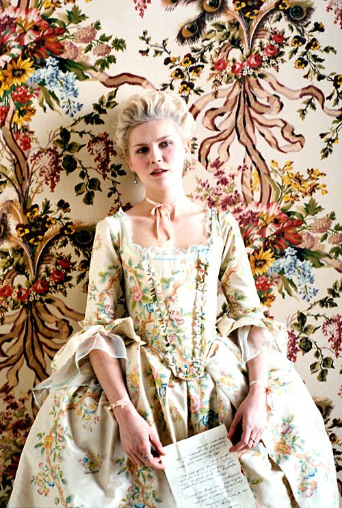 Marie Antoinette, Kristen Dunst wears incredibly detailed costumes & gowns  in Sophia Coppola's masterpiece.