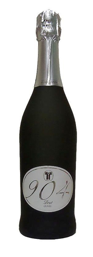 """Per i tuoi #brindisi scegli #904 lo #spumante # brut #cuvée, prodotto con uve autoctone accuratamente selezionate dell'azienda agricola """"Le Scurziane""""."""