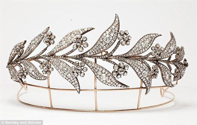 45-carat diamond tiara worn by the character Lady Mary in Downtown Abbey. Owned by Bentley and Skinner