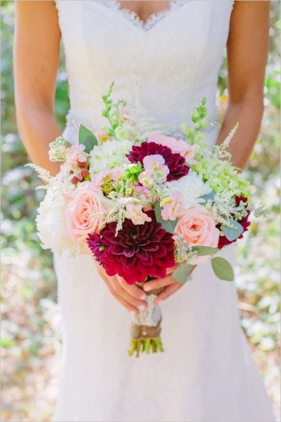 Beautiful Bridal: 15 Breathtaking Dahlia Bouquets