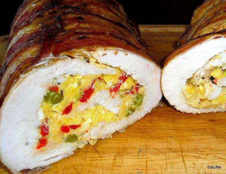 Kuřecí roláda se špenátem, sušenými rajčaty a sýrem s modrou plísní        Pečeno ve formě na srnčí hřbet o rozměrech 10x 30 centimetrů.    ...