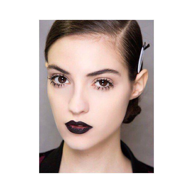 Как сделать ресницы густыми, длинными и изогнутыми. Рейтинг самых популярных процедур в обзоре Buro 24/7. #beauty #eyelashes