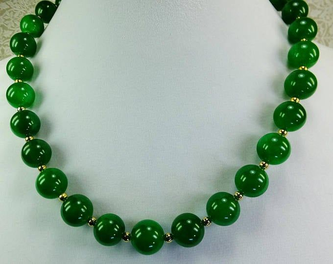 Malachite necklace Green necklace Statement necklace Wife birthday gifts Green bead necklace Mothers day gift Birthday jewelry Grandma gifts