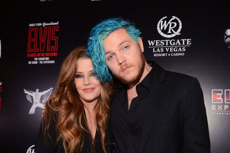 Lisa Marie Presley with son Benjamin Keough.   photo shopped !