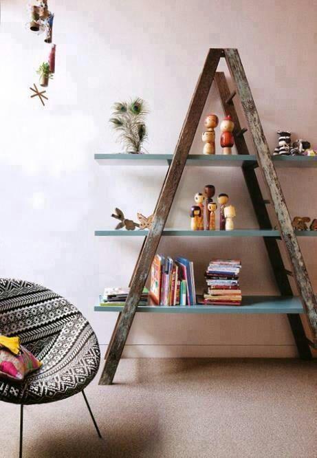 Librero reciclado de escaleras #madera #cafe #azul