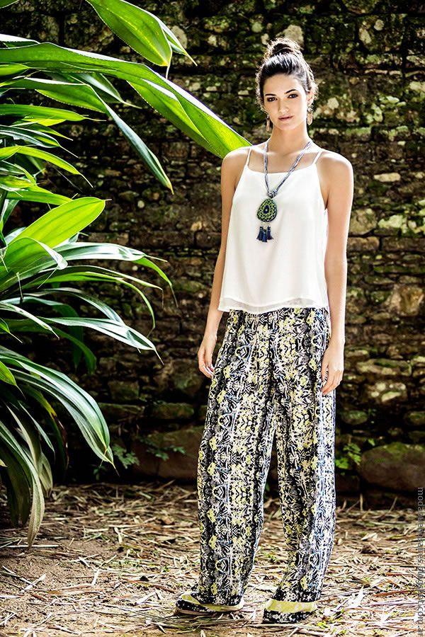 Moda primavera verano 2017 looks India Style | Moda 2017, ropa de mujer primavera verano 2017 vestidos, túnicas, kimonos, monos, shorts, pantalones, blusas India Style. | Moda 2017.