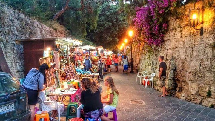 Ρόδος (Rhodos,Rhodes,Rodos)  Καλοκαιρινές νύχτες στη Ρόδο Summer nights in Rhodes...