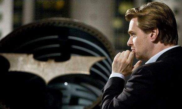 """O diretor da trilogia do """"Cavaleiro das Travas"""", Christopher Nolan, já definiu qual será seu próximo projeto cinematográfico. Ele pretende assumir a direção de """"Interstellar"""", ficção científica escrita por seu irmão e parceiro nos filmes de Batman, Jonathan Nolan. Produzido em conjunto pela Paramount Pictures e Warner Bros., a trama acompanhará viagens no tempo e …"""