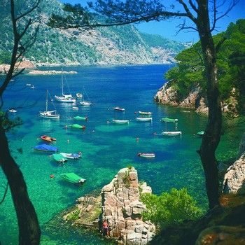Google Αποτελέσματα Eικόνων για http://www.bookableholidays.com/images/country/spain/costabrava/all/sheltered-cove-in-costa-brava.jpg
