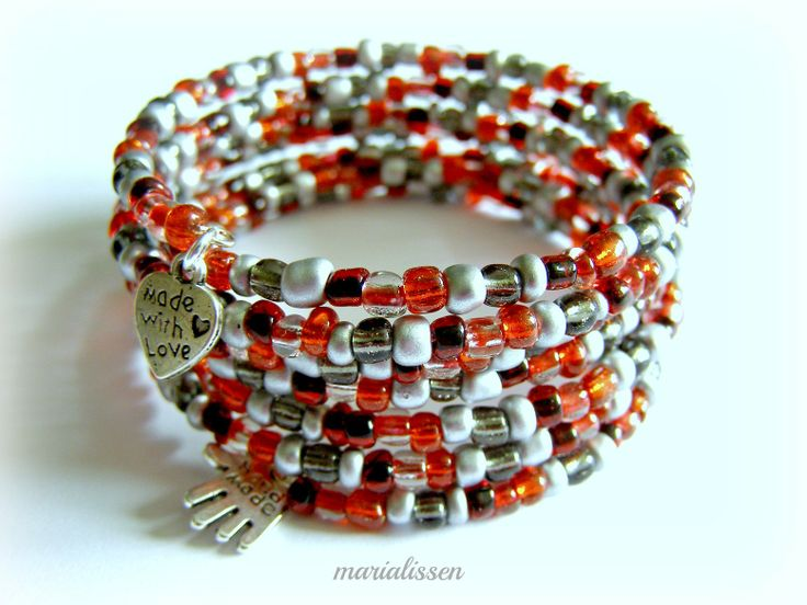 Bracelet à Enrouler Fil Mémoire Argenté Perles Verre Tons Rouges-Noir et Gris Modèle Unique : Bracelet par marialissen