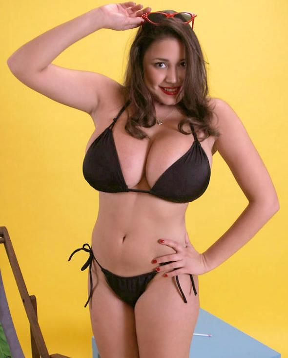 Miriam Gonzalez 34H Cup Size MiriamGonzalez Busty Top