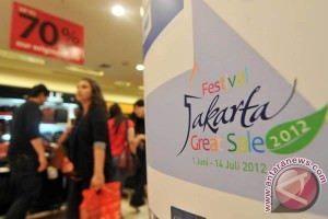 20120616Midnight-Shopping-160612-8