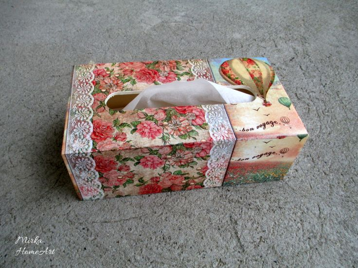 Drevená krabička na servítky, motív Bon Voyage, vyrobená dekupážou. Plní sa zdola.  http://www.sashe.sk/HomeArt/detail/bon-voyage-servitkovnik