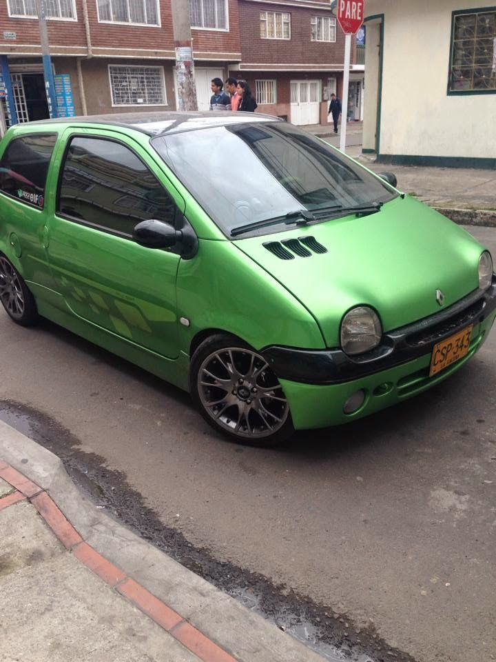 Gotta Love Those Rims!! | Twingo Tuning