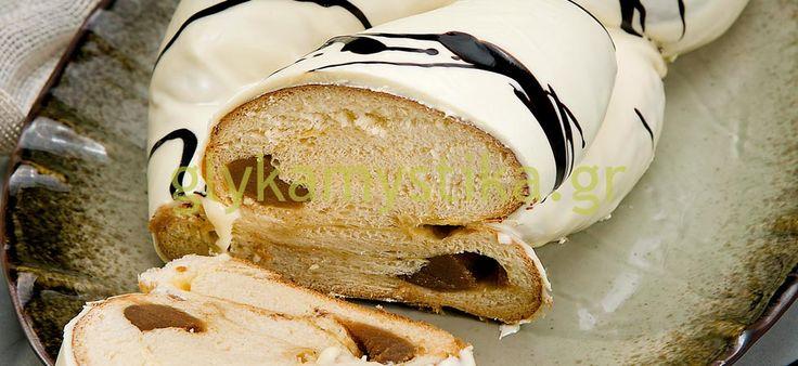 Διαδικασία συνταγής για Τσουρέκι γεμιστό με κάστανο & γλάσο λευκής σοκολάτας
