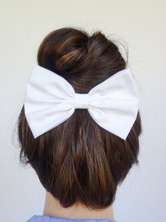 I think hair bows clipped on a bun is the CUTEST thing ever <3