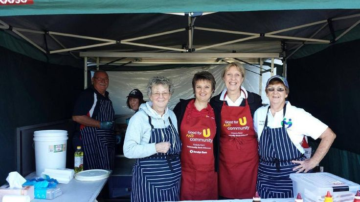 Sandra and Karen Gold helped out our local Meals on Wheels at their Bunnings BBQ on the weekend. Just one of the ways we like to be bigger than a bank!