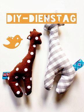 DIY - Dienstag: Schnittmuster und Anleitung für eine Babyrassel - schaut' doch mal vorbei ;-)