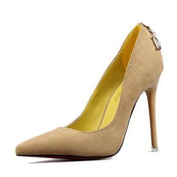 sepatu wanita high heels - Menggunakan High Heels Bisa Membuat Bokong Berisi, Mitos Atau Fakta