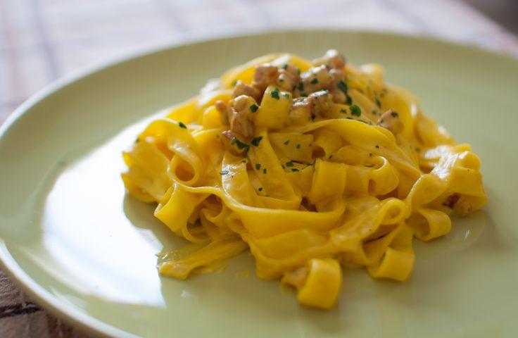 tagliatelle-con-zafferano-e-pancetta