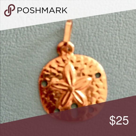 10k Solid Gold Sand Dollar Charm! 🦀 Super sweet 10k solid gold sand dollar charm for pendant or bracelet! So pretty! 🐚🐠💕 Jewelry Necklaces