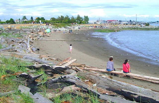 Sandy beach at Garry Point Park in Steveston, BC by RayVanEng, via Flickr