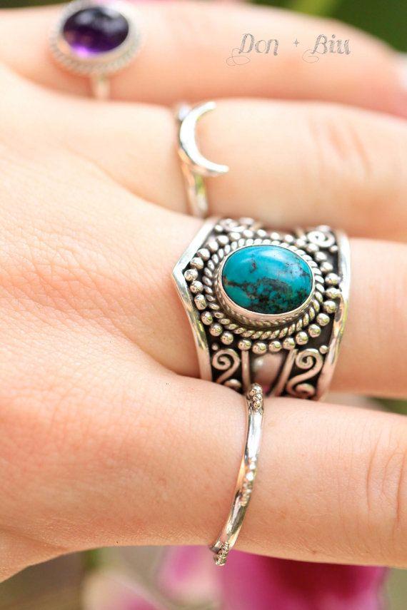 ✤ ✤ TURQUESA DECLARACIÓN DEL ANILLO DE BOHEMIA    Bohemia es una turquesa sólido 925 Anillo de plata de ley con una gran piedra turquesa y diseños