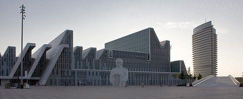 """Palacio de Congresos de Zaragoza"", fotografía de kinojam"
